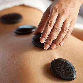tratamiento-masaje-piedras-volcanicas.jp