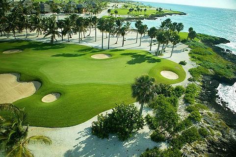 Republique dom golf.jpg