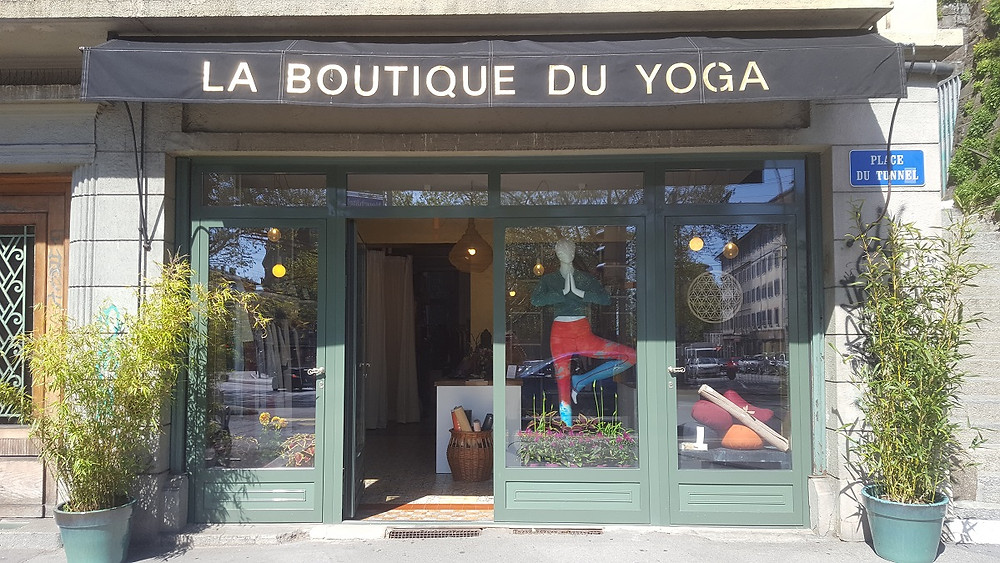 Boutique du Yoga Lausanne point de vente écharpes association Maili