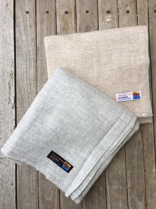 pashmina écharpe châle cachemire laine gris beige chaude épaisse tissage huit plis losanges association Maili