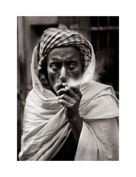 LUNCH SMOKE IN NEW DELHI