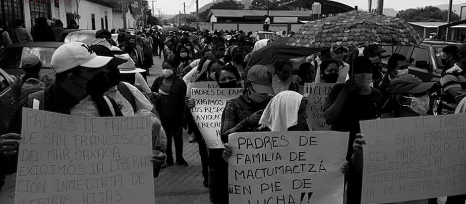 ESTUDANTES PROTESTAM EM CHIAPAS PELA LIBERDADE DE ALUNOS PRESOS INDEVIDAMENTE