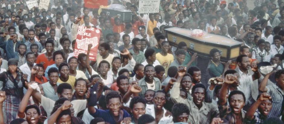 21 DE MARÇO: DIA INTERNACIONAL PELA ELIMINAÇÃO DA DISCRIMINAÇÃO RACIAL