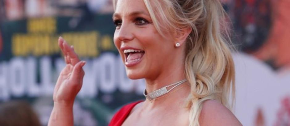 Britney Spears entra na justiça para recuperar sua Tutela, que está com seu pai.