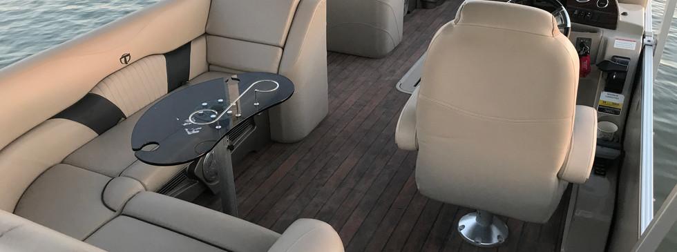 Seats Max 14