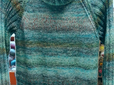 Raglan stricken