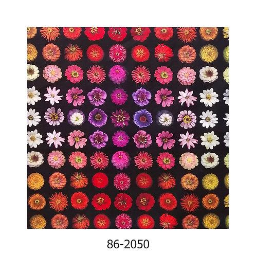 Patchworkstoff mit Zinienblüten 2050