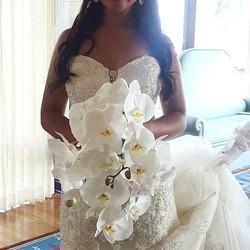 Gorgeous bridal bouquet _moonatelier_la #orchid #belairbayclub #domeryneandkenny2016 #moonatelier_la