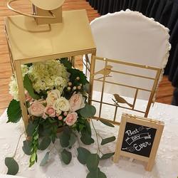 Gorgeous flower arrangement by _moonatelier_la #weddingflowers #bestdayever #theonebanquethall #moon