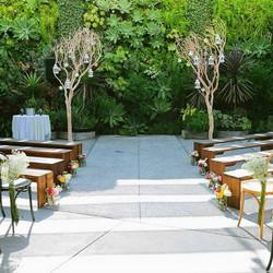 Nothing like a smog shoppe wedding.jpg!! Florals _ _moonatelier_la #moonatelier_la_Venue _ _smogshop