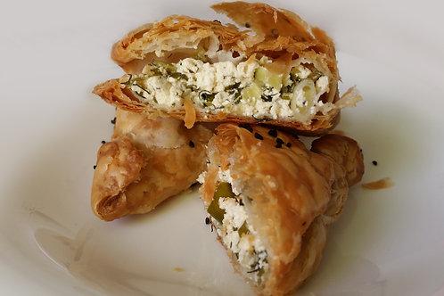 בורקס גבינת טופו ביתית אורגנית עם בצל ירוק ובזיליקום 5 יח'