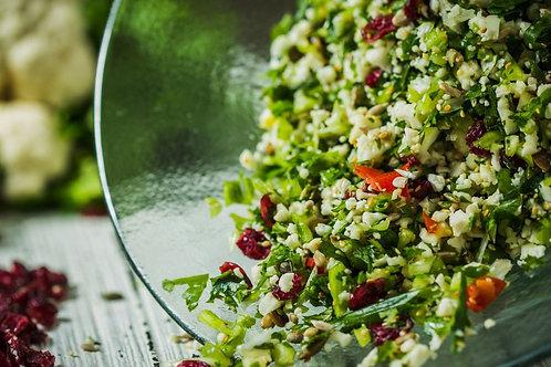 """סלט טבולה עם בורגול, המון ירק, שקדים וקרנבריס (1 ק""""ג)"""