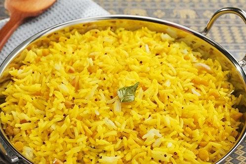 אורז עגול מלא עם גזר וגרגירי חומוס בסגנון אוזבקי
