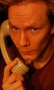 Aaron auttava puhelin.jpg