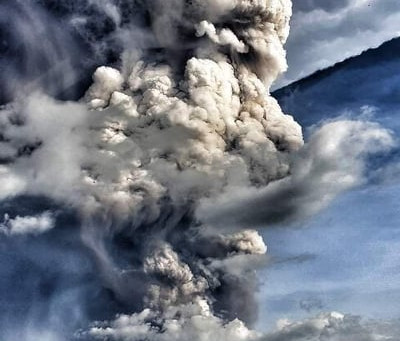 Photos of The Taal Volcano Eruption In The Philippines