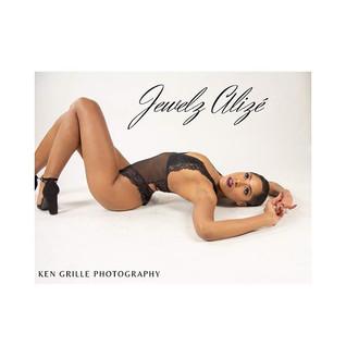 Photographer: @KenGrillePhotography  Hair/MUA: @_Jewelz.Alize  Stylist: @_Jewelz.Alize