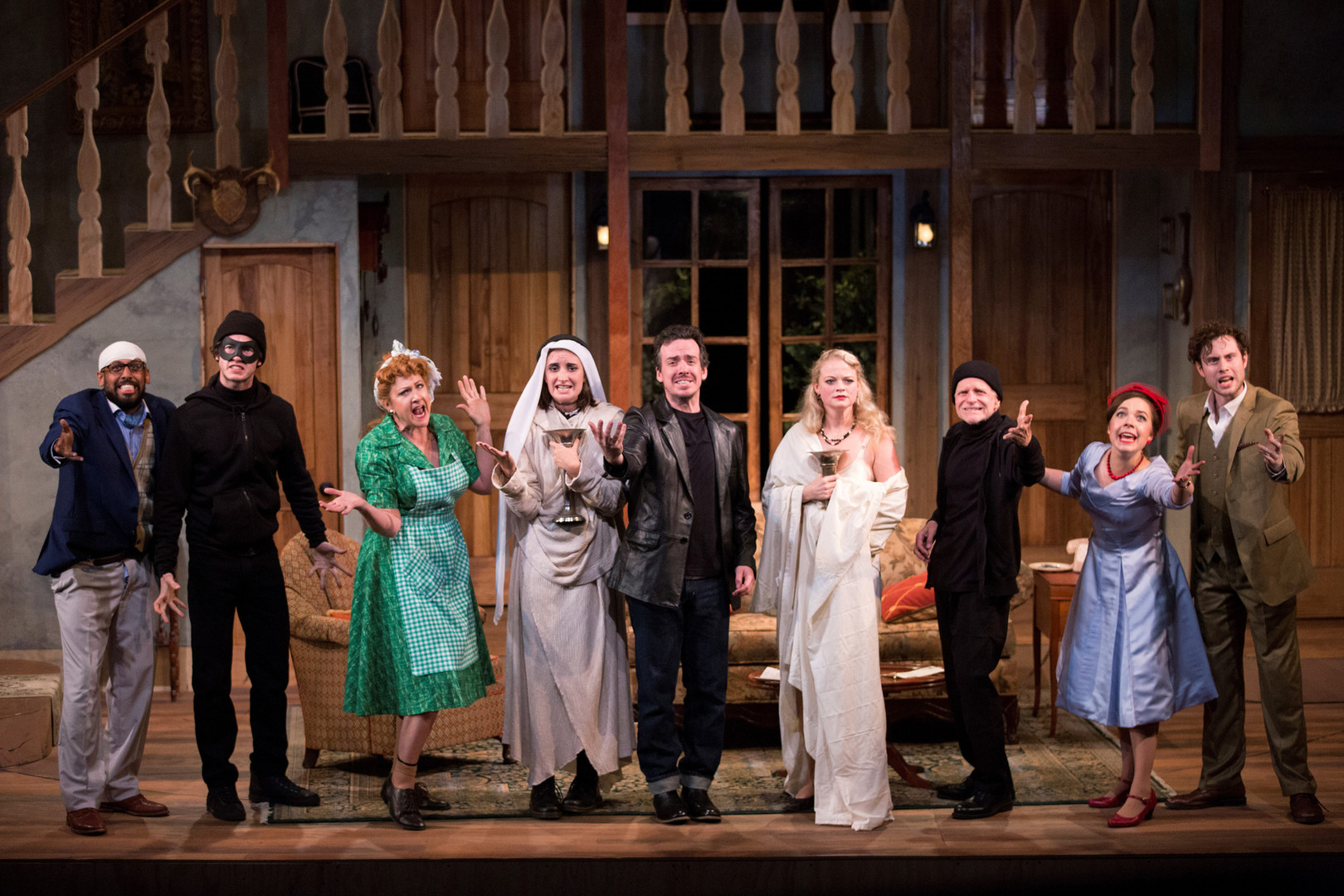 NOISES-OFF-curtain-call.jpg