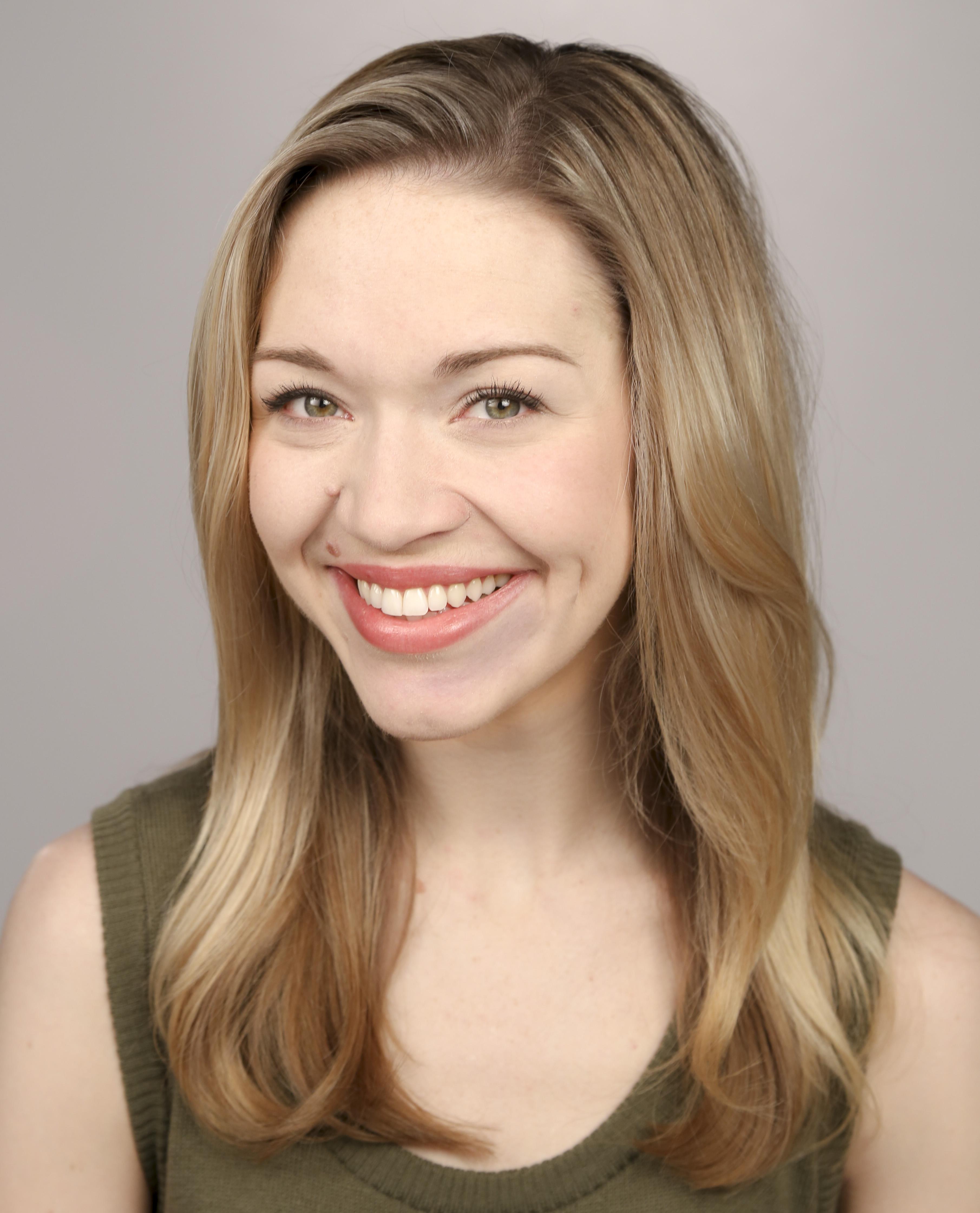 Cassie Thompson Headshot