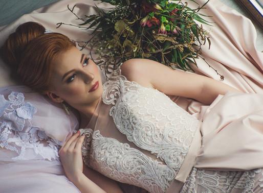 Как выбрать цвет для свадебного образа?