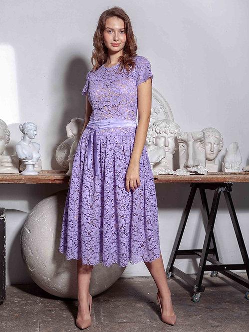 Платье кружевное с телесным подкладом