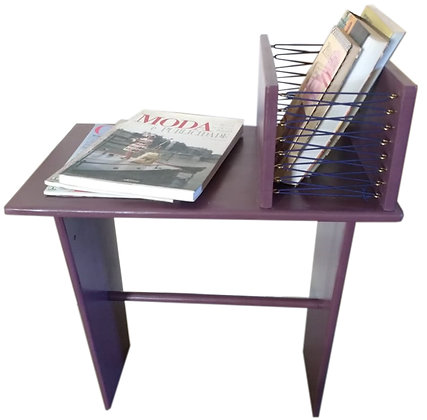 Mesa-revisteiro