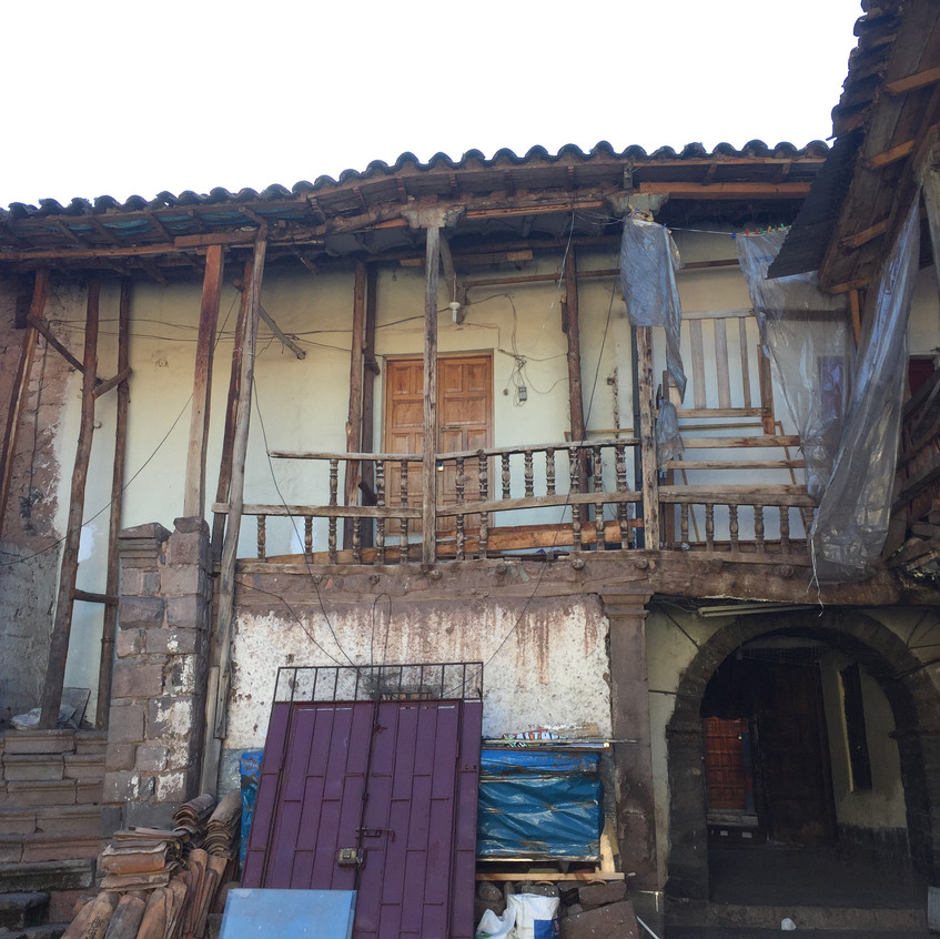 """All the houses are like this, around a courtyard. This one is on the very """"popular"""" (in these sense of non-touristic, for normal people) street where my school was."""