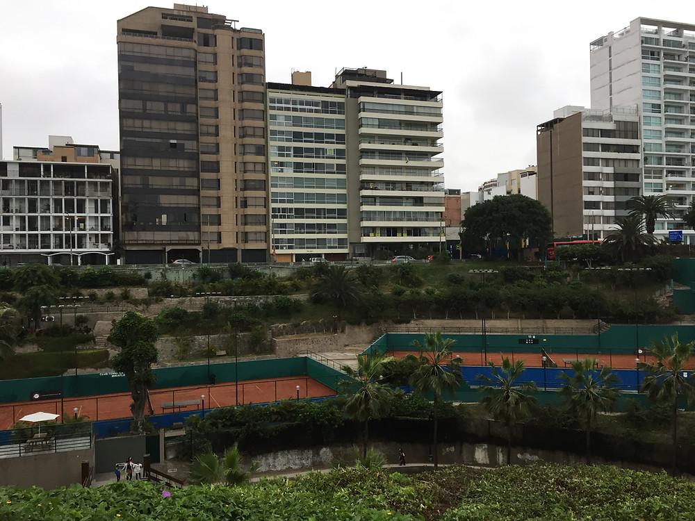The Miraflores tennis club -- huge!