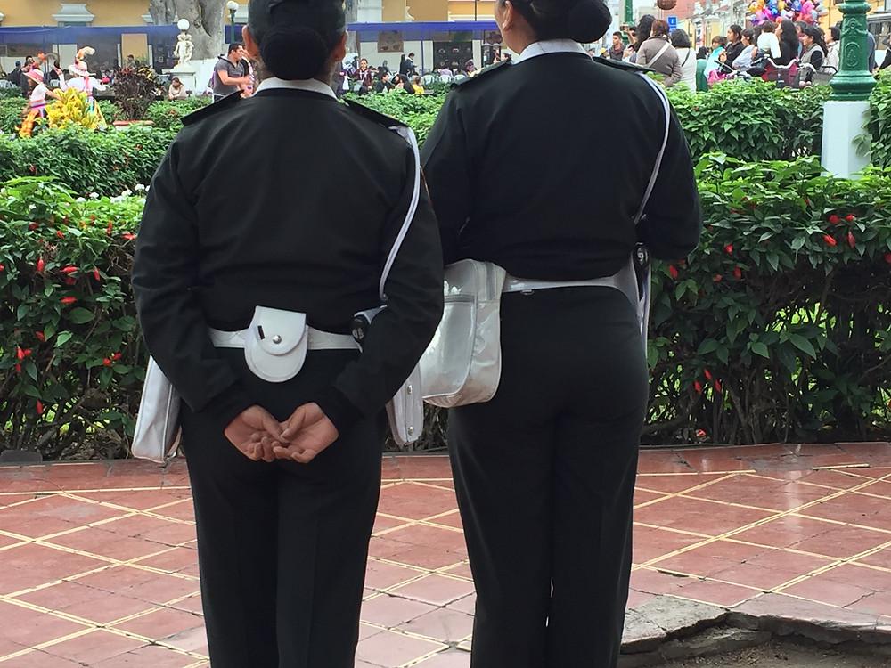 Lima's classy police women