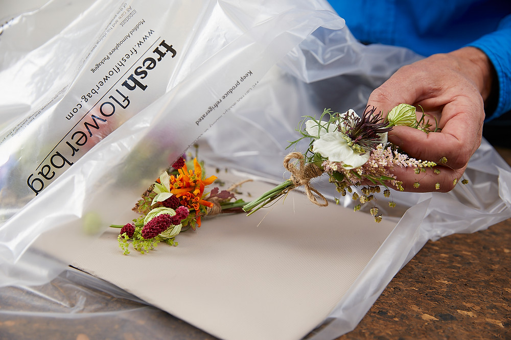 corsages stored in a FFB will stay fresh without water for 3 days