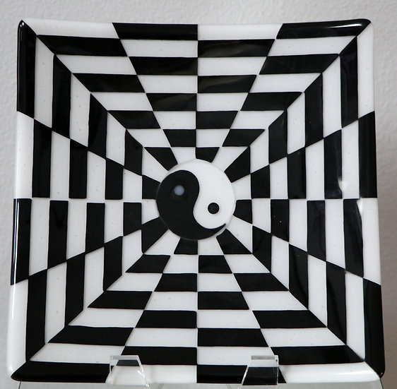 Square Black/White Ying Yang Plate