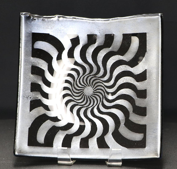 #3 Optical Illusion Plate by Ken Knodell