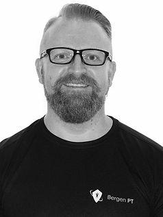 Personlig trener hos PT Gruppen og muskelterapeut hos Bergen muskelterapi som har sine PT-timer og behandligstimer på Sammen City i Bergen Per Christian Storheim