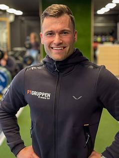 Personlig trener hos PT Gruppen som har sine PT-timer på S Club Oasen i Fyllingsdalen utenfor Bergen Magnus Breines