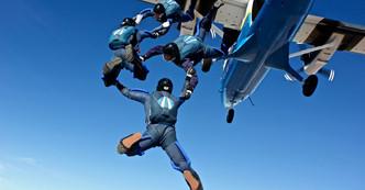 Как получить сертификат парашютиста? Что такое AFF? Как стать скайдайвером?
