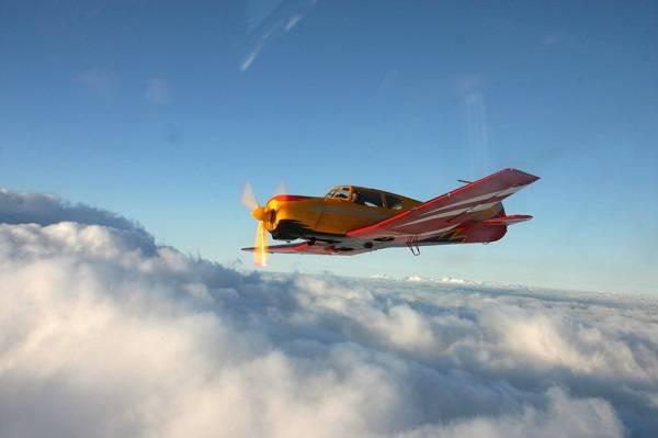ЯК 18. Училище гражданской авиации