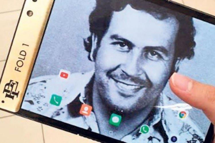 Смартфон Escobar Fold 1