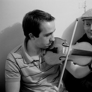 Oisín Mac Diarmada (left) and Gerry Harrington backstage during the 2007 fiddle recital.