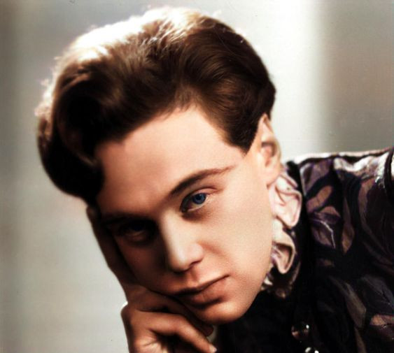 Marius as Romeo in Shakespeare's 'Romeo and Juliet' at The Old Vic, London, 1933