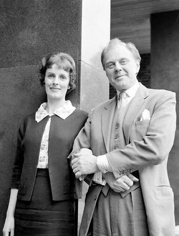 Marius Goring as Robert Langley & Jean Hardwicke as Kathleen Langley in 'In Loving Memory' 1964
