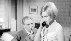 Marius Goring as Oliver Milburgh and Sabine Sesselmann as Anne Ryder (German version)