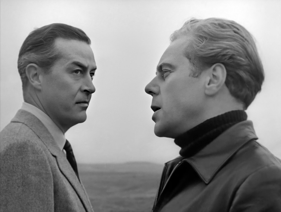 Ray Milland as Clay Douglas and Marius Goring as Sholto Lewis