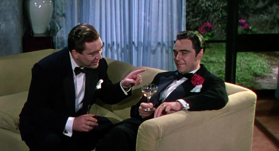 Edmond O'Brien as Oscar Muldoon and Marius Goring as Alberto Bravano