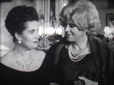 Margaretta Scott & Marius Goring in Les Dossiers de l'Agence O