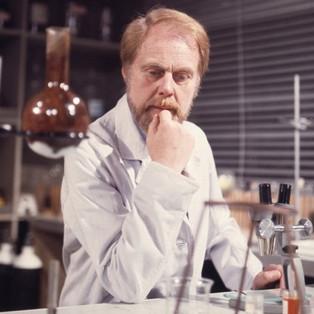 Marius Goring as Dr John Hardy