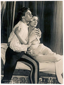 Marius Goring as Romeo & Peggy Ashcroft as Juliet in Romeo and Juliet 1933 at The Old Vic