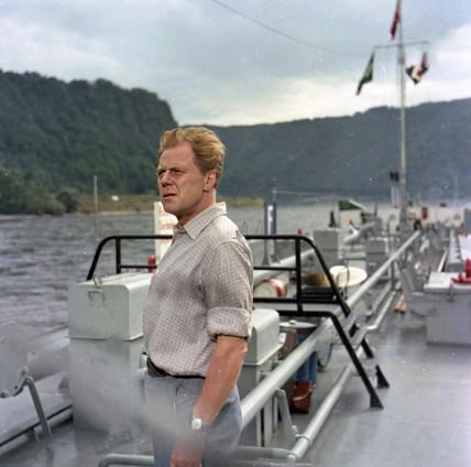 Marius Goring as Georg