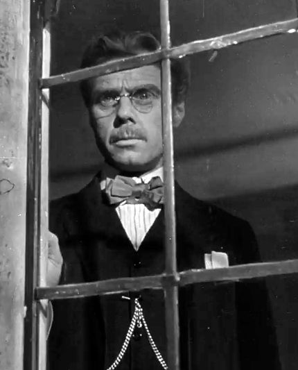 Marius Goring as Vincent Perrin in Mr Perrin and Mr Traill 1948