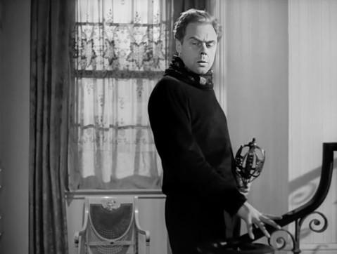 Marius Goring as Sholto Lewis