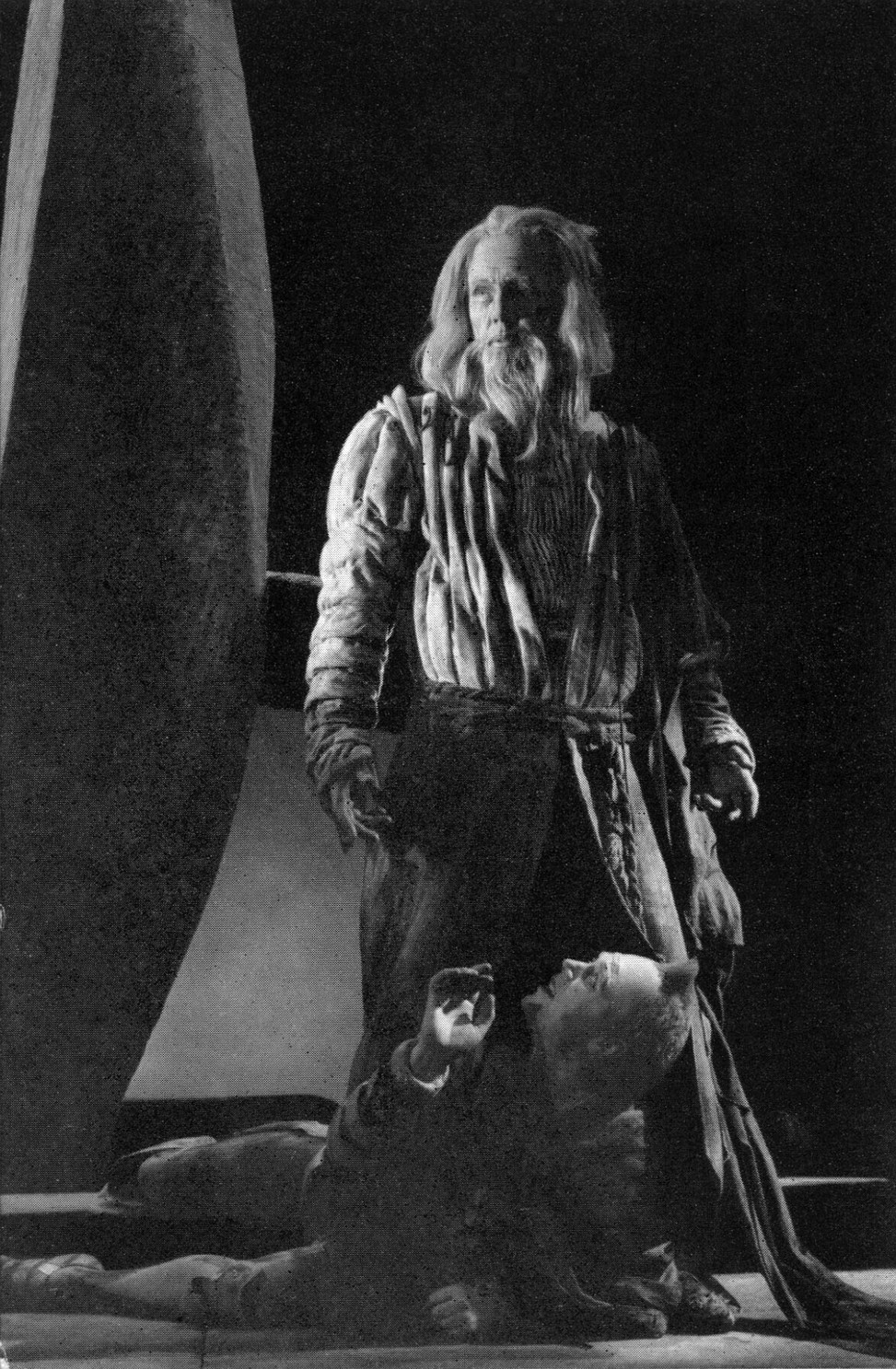 Michael Redgrave as King Lear and Marius Goring as Fool in Shakespeare's King Lear at The Shakespeare Memorial Theatre, Stratford 1953