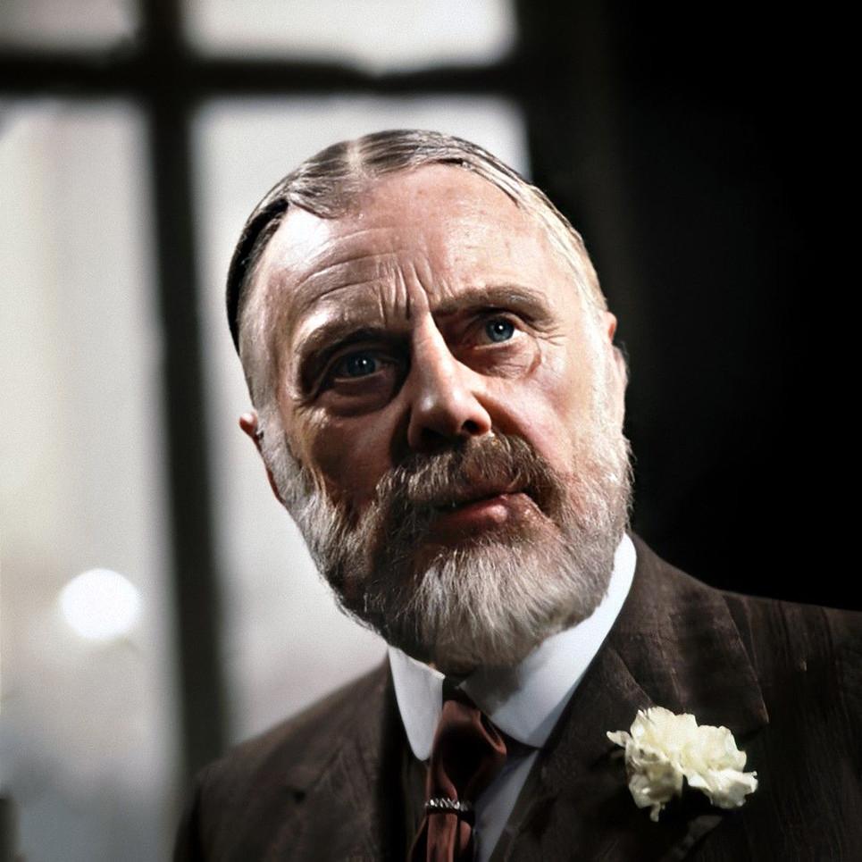 Marius Goring as King George V